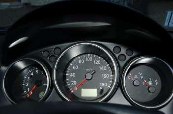 Subaru impreza — nissan wingroad