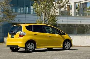 Honda Fit | Сзади особенно хорошо видно, что это пусть и новый, но именно Fit