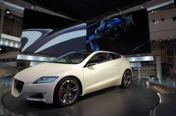 Автосалон в Токио   Вполне вероятно, слово «ренессанс» в представлении концепта Honda CR-Z прозвучало неспроста, и автомобиль имеет все шансы на начало серийного производства