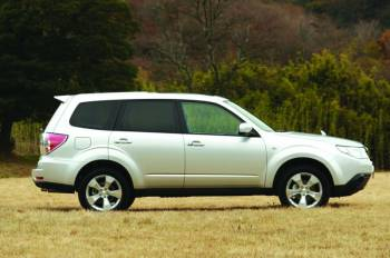 Subaru forester | В профиль новый Forester можно и спутать с предыдущим поколением модели. Но кто сказал, что преемственность — это плохо?