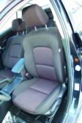 Жесткое сиденье располагает хорошим поясничным подпором, но валики боковой поддержки хотелось бы иметь более внушительных размеров | Mazda 3 • honda civic