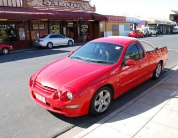 Австралия   Улицы Алис-Спрингс типично провинциальные и напоминают небольшие городки американского Среднего Запада