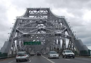 Австралия | Мост Story в Брисбене построил тот же архитектор, что и знаменитый Харбор Бридж в Сиднее, что видно невооруженным глазом