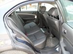 Двоим сзади достаточно просторно и удобно, однако третий пассажир, тот, что сядет в центре, может почувствовать себя лишним — из-за видимой профилированности заднего дивана | Chevrolet Epica LT