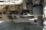 Фрагмент передней независимой подвески на торсионах от БМП (задняя аналогичная). ШРУСы и редукторы прикрыты прочными кожухами из транспортерной ленты, валы привода вытачивались из танковых торсионов | Isuzu Bighorn