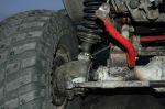 Сдвоенные пружины опираются непосредственно на корпуса колесных редукторов — для лучшей устойчивости и снижения риска поломки чулков и ступиц. Однако подвели «внутренние» комплектующие | Isuzu Bighorn