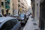 Въезд за крепостные стены Валетты разрешен только местным жителям по специальному пропуску. Тем не менее, как и на всей Мальте, обочины здесь забиты припаркованными автомобилями | Мальта