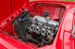 Можно предположить, что с двигателя снято порядка 130-150 «лошадей». И это не предел, поскольку мотор ждет установки чарджера. Впрочем, альтернативой механическому нагнетателю может послужить и турбина, вращающаяся от отработавших газов. Решение впереди. Кром | Москвич - 412