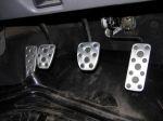 Педальный узел сделан на совесть. Сцепление требует некоторого усилия | Subaru Forester 2.5 Turbo STi