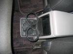 Выдвижной подстаканник для задних седоков — знакомая по предыдущим Forester «фишка» | Subaru Forester 2.5 Turbo STi