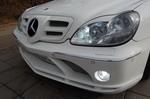 Реснички на фарах позволили слегка «прищурить» светотехнику S-класса, но все-таки придать ей стопроцентное сходство с «маклареновской» почти невозможно | Mercedes-Benz S500 McLaren
