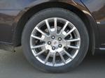 Теперь понятно, чему обязан своим рождением знаменитый «колесный тюнинг» в США — «18-е» диски в арках STS просто потерялись. Сюда бы дюймов так 20-22… | Cadillac STS