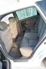 Объему «жизненного пространства» для задних пассажиров Avancier могут позавидовать иные лимузины. А чтобы простор был уютным, автоматический климат-контроль к их ногам и головам через специальные дефлекторы под передними креслами и в центральных стойках подае | Honda Avancier/Ford Escape