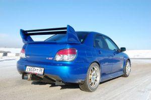 Subaru Impreza WRX STi | Карбоновые воздухоотводы HKS под задним бампером, «бочка» Fujitsubo — «стандартная» WRX STi выглядит менее вызывающе