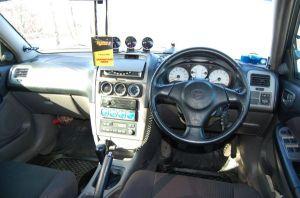 Toyota Caldina Black Fire | Такое количество «периферии» на передней панели универсала Toyota Caldina сразу выдает незаурядность его технической начинки