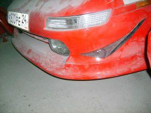 Toyota MR2 | Оригинальный передний бампер MR2 получил развитую «губу» и элероны. Симпатично, а главное — функционально на кольцевой трассе