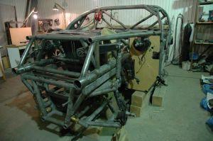 Ралли-рейдовый Super Production | Зима-весна 2007-го: трубчатая ферма с интегрированным каркасом безопасности на стадии завершения