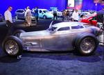 Уникальный проект от дизайн-студии Webb Automotive Art: почти копия спортивного болида 1917 года, получившего название Golden Submarine, который отличался закрытым алюминиевым кузовом характерной формы и алюминиевым же двигателем | SEMA Show: ретро