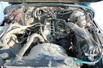 Традиционно низкофорсированная 2,5-литровая «четверка» развивает 121 л. с. при 5400 об/мин. Момент в 190 Нм достигается на 3500 об/мин. Ситуацию спасает только понижающий ряд, правда, даже в обычных условиях двигатель крайне неохотно вытягивает с низов на чет | Jeеp Wrangler