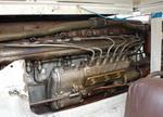 Внутри у «Тигра» единственная интересная деталь — шестицилиндровый дизель от зенитки «Шилка». По сути, это половинка от танкового V12, который в свое время эволюционировал из В-2, устанавливавшегося на Т-34. Любопытно, что танковые дизели не отличаются ресурс | Танки Веревочкина