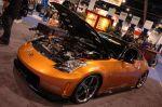 На первый взгляд это самый обычный Nissan 350Z 2005 года выпуска — автомобиль даже цвет кузова (ярко-рыжий) сохранил. Но в изумление вводят характеристики двигателя и, прежде всего, его модель: 2JZ-GTE. Откуда, каким образом и для чего этот мотор появился под | Sema Show