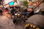 Двигатель этого драгстера, работающего на нитрометане, при объеме 8,2 литра и механическом нагнетателе развивает 8000 л.с. Четверть мили проглатывает чуть менее, чем за шесть секунд | SEMA Show