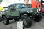 Конкретный тюнинг Jeep Wrangler от фирмы Superlift: амортизаторы Bilstein Rock Crawler, межколесные блокировки Detroit Locker, лебедка Ramsey 9500, шины BF Goodrich M/T 40x14,5 R17 | SEMA Show