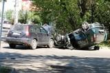 Опрокидывание автомобилей стало результатом двух ДТП в Иркутске