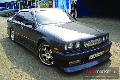 Nissan Gloria R&b car