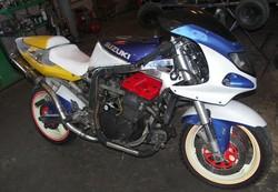 Suzuki GSX R1100