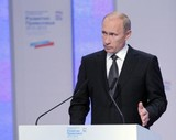 В. Путин сообщил о ситуации в автопроме и дорожной сфере страны