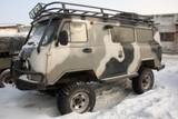 Микроавтобус УАЗ-«люкс» и доработанные Toyota LC Prado