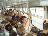 Россияне все чаще добираются до работы на общественном транспорте
