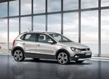 Geely MK Cross & Volkswagen CrossPolo