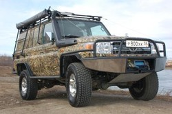 Toyota Land Cruiser 76