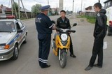 Рейды по выявлению несовершеннолетних водителей мопедов и мотоциклов проходят в Иркутске