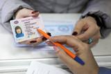 В России готовятся ввести водительские удостоверения со специальными отметками