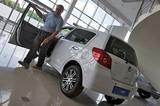Россияне покупают новый автомобиль, когда старый надоедает