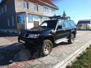 Nissan Safari (2000)