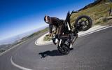 В чем нужно ездить на мотоцикле и какая мотоэкипировка будет оптимальна