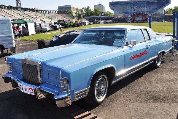 Lincoln Continental Town Coupe Антона Котова