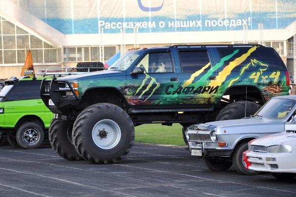 Chevrolet Suburban 2500 «Бигфут»