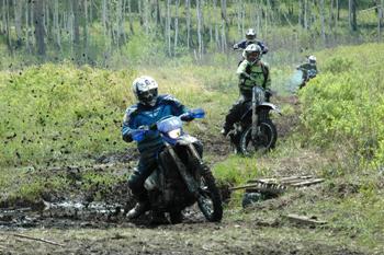 Гонки на квадроциклах и мотоциклах эндуро